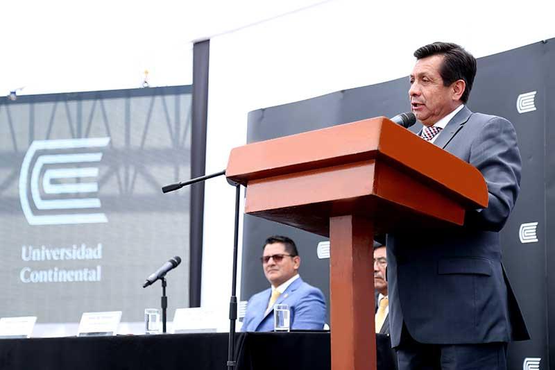 """Fernando Barrios Ipenza: """"En Latinoamerica creció el número de estudiantes universitarios"""""""