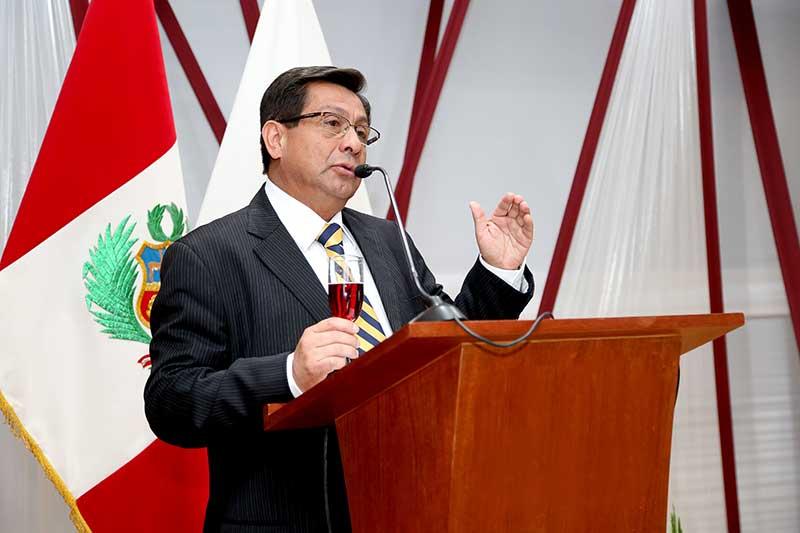 """Fernando Barrios Ipenza: """"Universidades latinoamericanas bajan su ratio de innovación""""."""